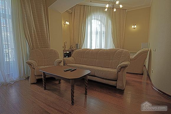 Apartment on Khreschatyk Street, Una Camera (71844), 002