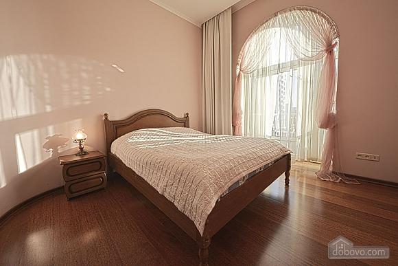 Apartment on Khreschatyk Street, Una Camera (71844), 006