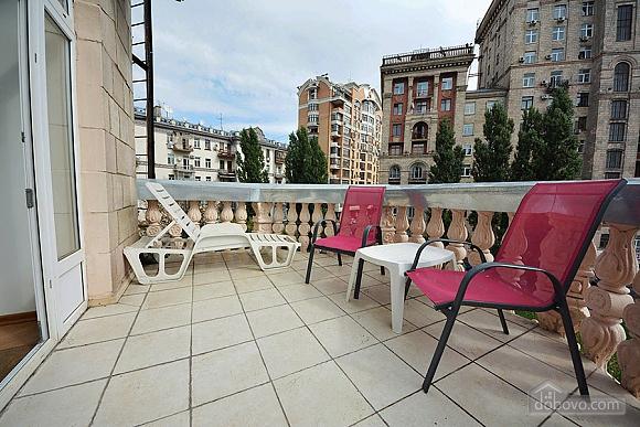 Apartment on Khreschatyk Street, Una Camera (71844), 011
