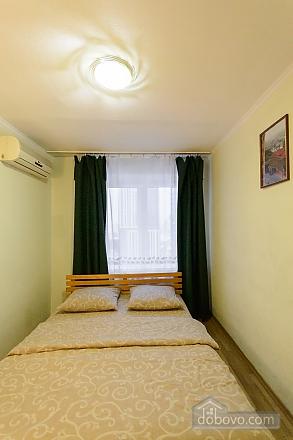 Near Bessarabian market, Un chambre (49657), 003