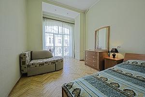 Удобная квартира возле Майдана Незалежности, 2х-комнатная, 004