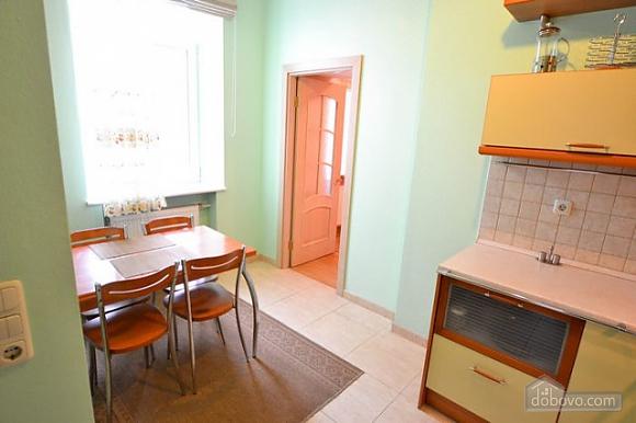 Прекрасна квартира в ідеальному розташуванні, 2-кімнатна (72635), 015