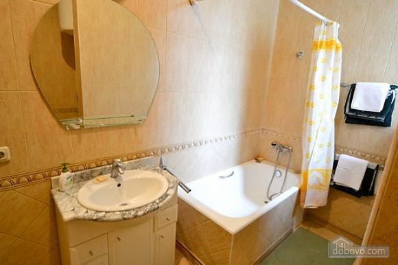 Прекрасна квартира в ідеальному розташуванні, 2-кімнатна (72635), 017