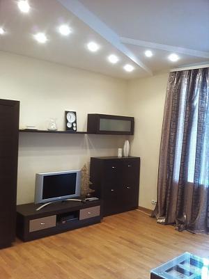 Квартира на вулиці Пушкінській в самому центрі, 2-кімнатна, 004