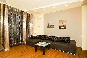 Квартира на вулиці Пушкінській в самому центрі, 2-кімнатна, 002