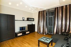 Квартира на вулиці Пушкінській в самому центрі, 2-кімнатна, 003