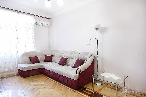 Near Patas Ukrayina, Un chambre (51899), 003