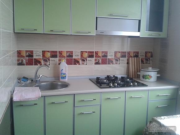 Хорошая квартира в Харькове, 2х-комнатная (97920), 002