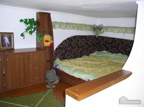 Квартира в центре, 1-комнатная (98711), 001