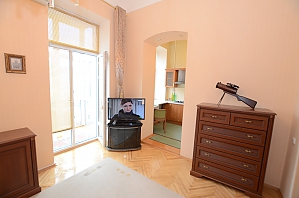 Luxury apartment on Podil, Studio, 003