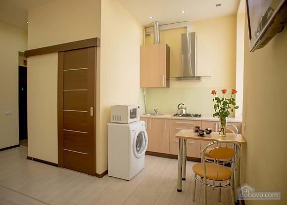 Apartment in the city center, Studio (32019), 015