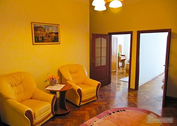 Квартира на Театральной, 3х-комнатная (54601), 001