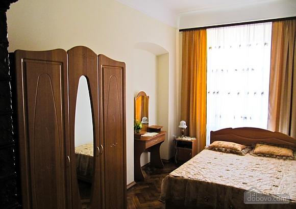 Квартира на Театральной, 3х-комнатная (54601), 004