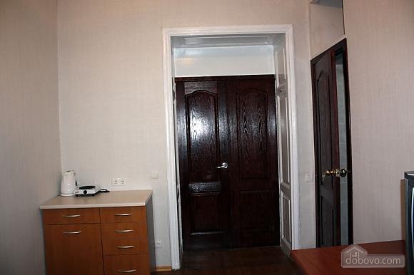 Уютная квартира, 1-комнатная (77381), 002