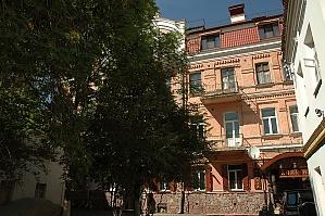 Near Mikhailovskaya Square, Studio, 012