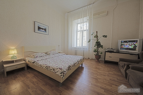 Apartment near Maydan Nezalezhnosti, Monolocale (32744), 003