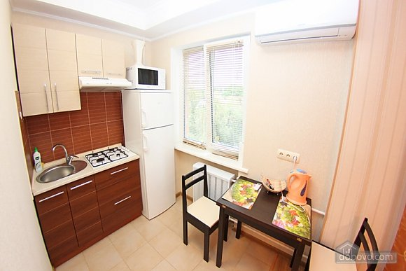Apartment on Pechersk, Studio (33140), 004