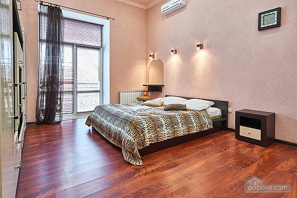 Квартира возле Золотых Ворот, 1-комнатная (10953), 008