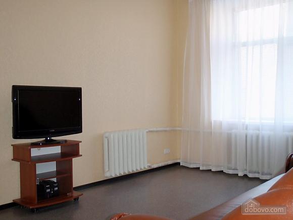 Уютные апартаменты, 2х-комнатная (56117), 003