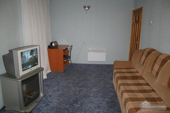 Апартаменты в центре, 3х-комнатная (78699), 003
