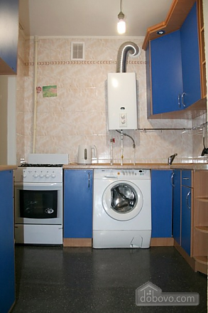 Апартаменты в центре, 3х-комнатная (78699), 006