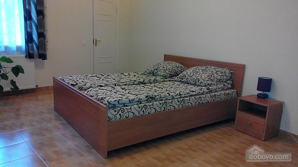 Квартира на Ангеловича, 2х-комнатная (34656), 001