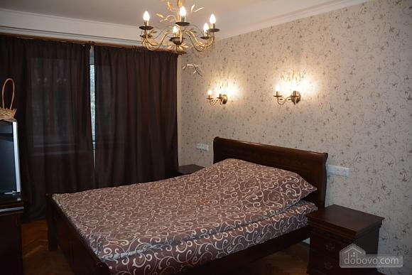 Classic apartment with Provans details, Zweizimmerwohnung (13458), 001