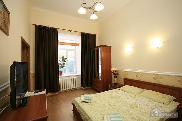 Нова квартира поряд із Соборною площею, 2-кімнатна (58556), 001