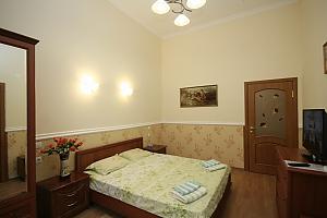 New apartment near Soborna Square, One Bedroom, 002