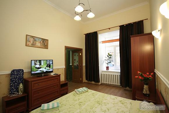 Нова квартира поряд із Соборною площею, 2-кімнатна (58556), 003