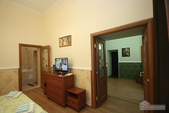 Нова квартира поряд із Соборною площею, 2-кімнатна (58556), 005