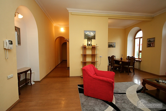 Excellent luxury apt with Jacuzzi and a picturesque view, Due Camere (81138), 020