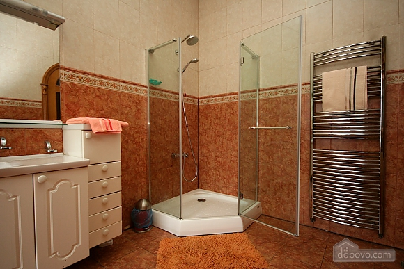 Excellent luxury apt with Jacuzzi and a picturesque view, Due Camere (81138), 044