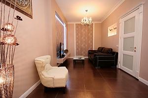 Apartment on Hrecheskaya, Two Bedroom, 001