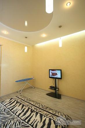 Стильный люкс с джакузи в центре, 3х-комнатная (13919), 003