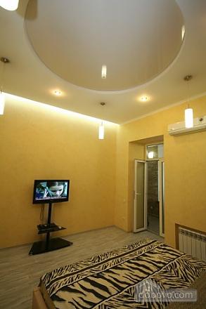 Стильный люкс с джакузи в центре, 3х-комнатная (13919), 005