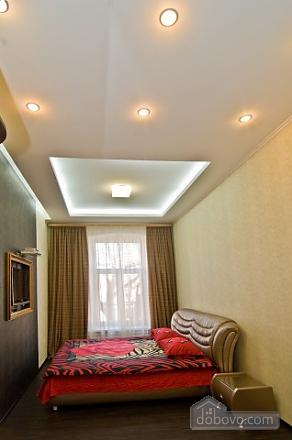 Стильный люкс с джакузи в центре, 3х-комнатная (13919), 008