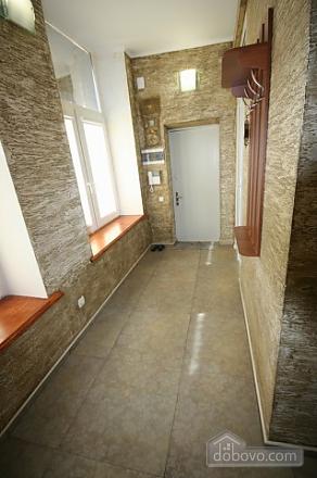 Стильный люкс с джакузи в центре, 3х-комнатная (13919), 012