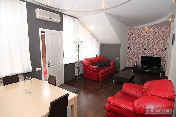 Квартира в самом центре, 3х-комнатная (81534), 004