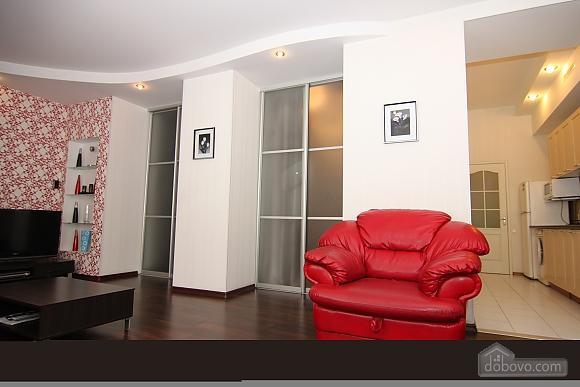 Квартира в самом центре, 3х-комнатная (81534), 005