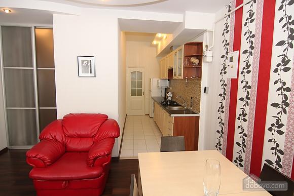 Квартира в самом центре, 3х-комнатная (81534), 006