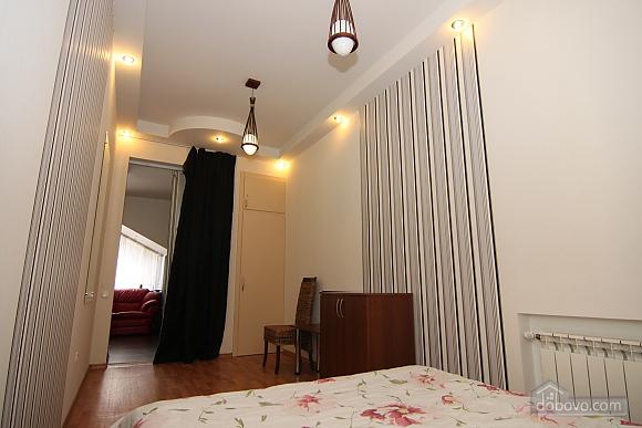 Квартира в самом центре, 3х-комнатная (81534), 012
