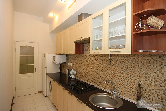 Квартира в самом центре, 3х-комнатная (81534), 013