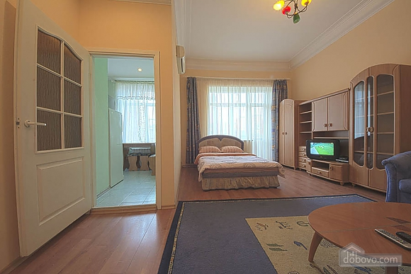 Апартаменти в центрі, 1-кімнатна (81864), 003