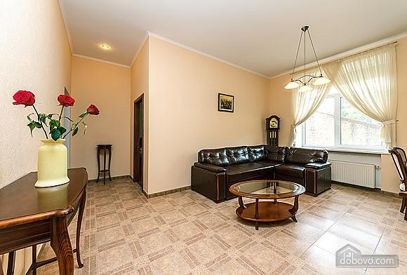 Квартира возле Бессарабского рынка, 3х-комнатная (37358), 003