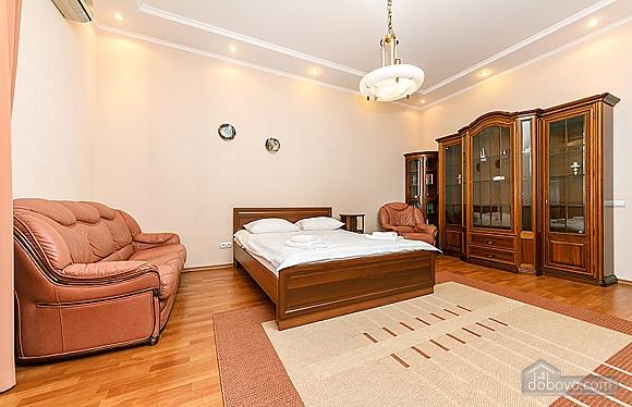 Квартира возле Бессарабского рынка, 3х-комнатная (37358), 008