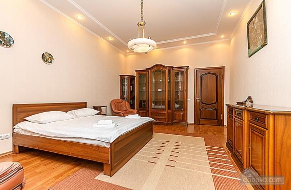 Квартира возле Бессарабского рынка, 3х-комнатная (37358), 009