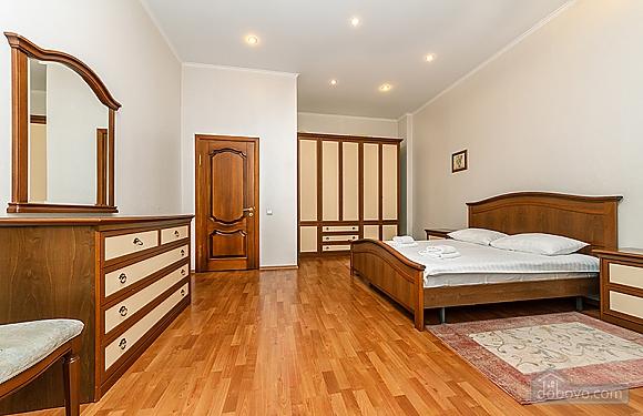 Квартира возле Бессарабского рынка, 3х-комнатная (37358), 013
