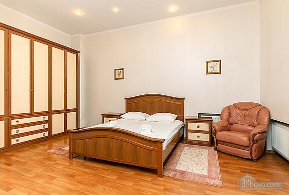 Квартира возле Бессарабского рынка, 3х-комнатная (37358), 014