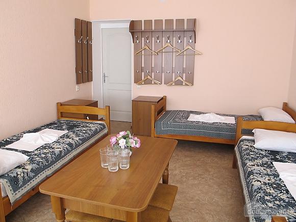 With 5 sleeping places, Studio (82655), 002